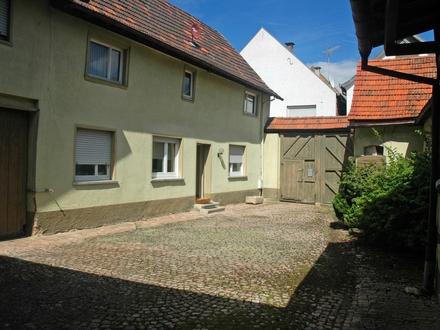 HEMING-IMMOBILIEN - Hofreite mit viel Platz, Garten und Bauplatzoption