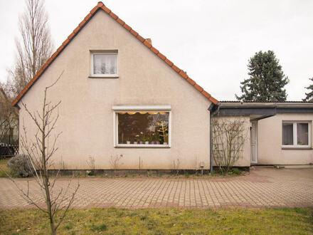 Doppelhaushälfte in attraktiver Wohnlage mit großzügigem Grundstück