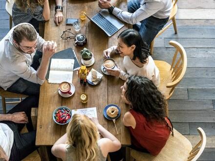 Gut eingeführte Gastronomie an Tagungs- und Veranstaltungszentrum