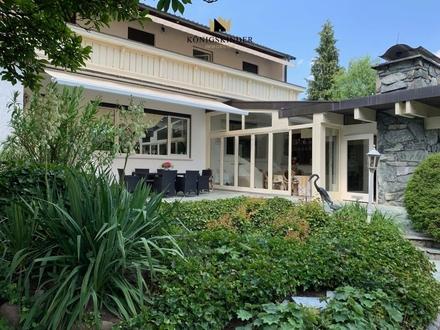 Villa in Randlage mit großem Garten, viele Extras, 3 Garagen, Schwimmbad...