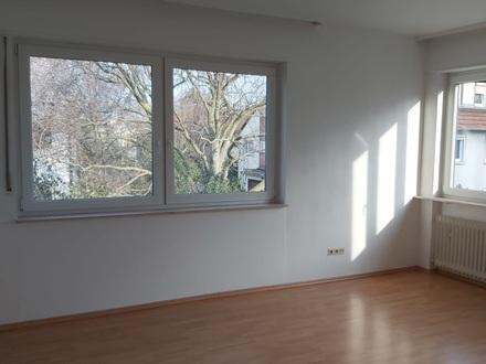 wunderschöne, helle 3-Zimmer Wohnung in Lu-Oppau