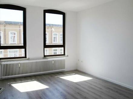 Erstbezug nach Vollsanierung: Lichtdurchflutete 2-Zimmerwohnung, 2. OG rechts, Deb.-Nr. 71220