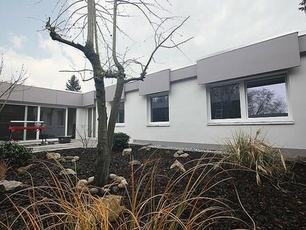 Atriumbungalow – Erstbezug nach Modernisierung / F-Hausen Nähe Nidda