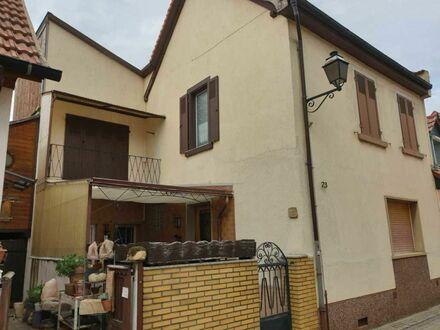 Gepflegtes, älteres Alzeyer Stadthaus mit Anbau und Ausbaupotential