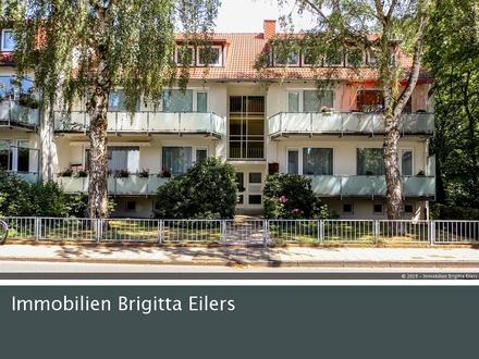 Helle und freundliche 3-4 Zimmer-Wohnung mit 2 Balkonen in absolut ruhiger Sackgassenlage!