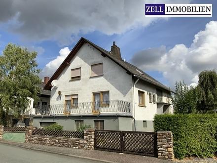 Geräumiges 1-2 Familienhaus mit Nebengebäude in ländlicher Idylle