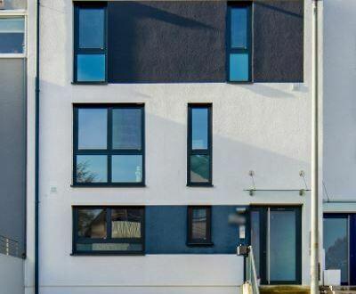 Ein Haus das Ihren hohen Erwartungen gerecht wird! Großzügige Doppelhaushälfte im Wohngebiet Rohrer Höhe