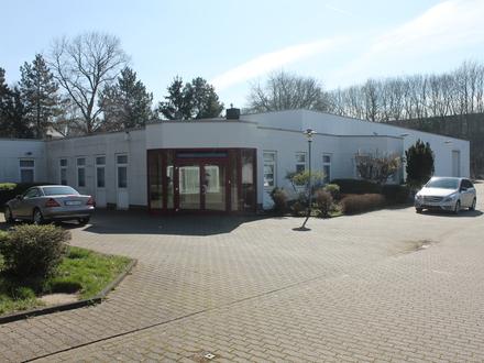 Gepflegtes Gesamtpaket - Halle mit Büroeinheit und guter Anbindung