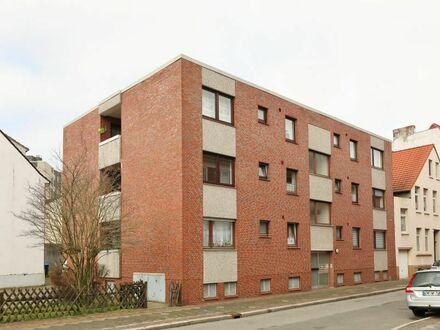 TT bietet an: Gepflegte 3-Zimmer Eigentumswohnung mit Balkon in Tonndeich!