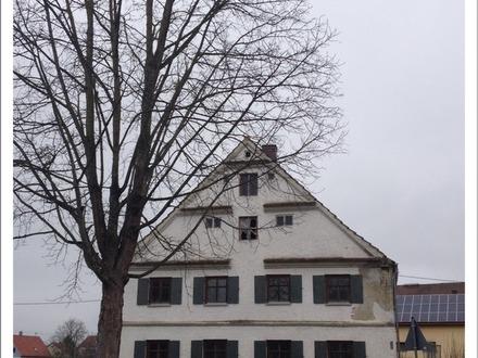 Entwicklungsfähiges Denkmalbestandsgebäude mit großem Restbaugrundstück!