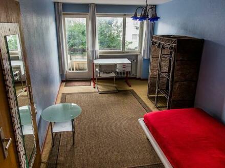 """Fellbach = Osten v Stuttgart = Westen v Waiblingen: Nettes helles Möbliertzimmer = """"Blaues Zimmer"""""""