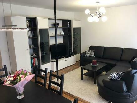 Stilvolle vier Zimmer Wohnung mit großer Dachterrasse - fast wie ein eigenes Haus - ohne Makler!!!