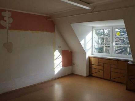 IDYLLE PUR ! 190 m2 ausbaufähige Wohnfläche mit sehr großer Sonnenterrasse !