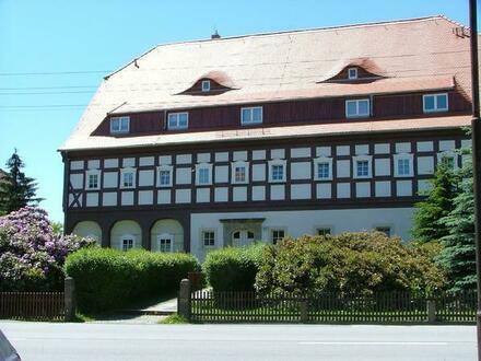 EIBAU 2-R-Wohnung (88m2) mit Küche, Küchenmöbel, Badmöbel, Haupstr.43, EG