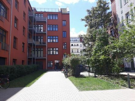 One room apartment in the center of Prenzlauer Berg