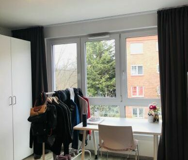 Modernes Studenten-Apartment (vollmöbliert)