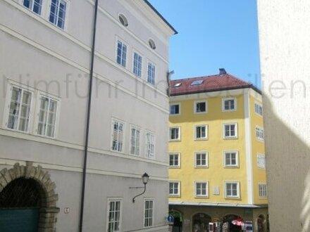 Großzügige 2,5-Zimmer-Altstadtwohnung in der Altstadt Salzburgs