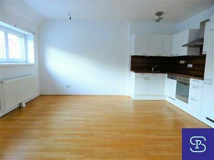 Unbefristete 59m² DG-Wohnung + 13m² Terrasse mit Einbauküche - 1160 Wien