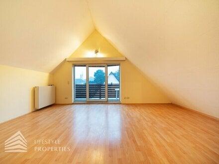 Wunderschöne 3-Zimmer-Dachgeschosswohnung mit 2 Balkone