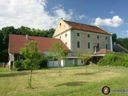 Nähe Großpetersdorf: Wohnhaus und ehem. Mühlengebäude