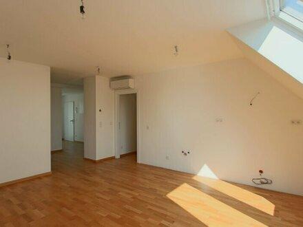 Sonnige 3-Zimmer Wohnung mit Balkon!