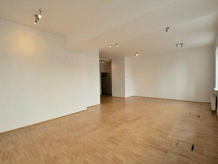 Saniertes, straßen- und hofseitiges 2-Zimmer-Büro/Ordination in Toplage!