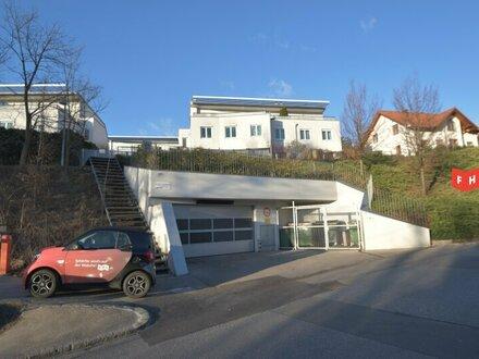 Sonnige DG-Wohnung mit großer Terrasse im Grünen