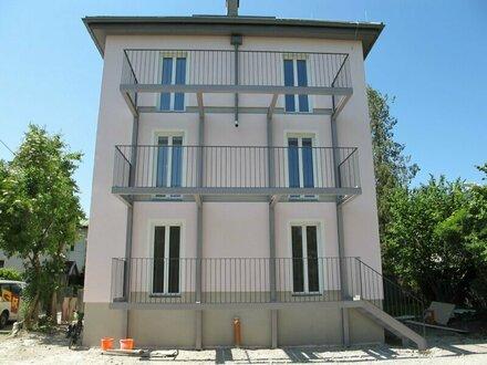 Erstbezug: gehobene 3-Zimmer Wohnung mit Balkon und Ausblick