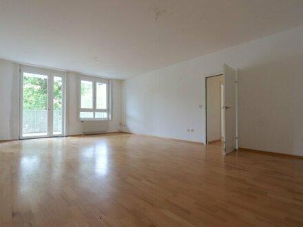 EUM - Upper West 119! Großzügige 4-Zimmer-Wohnung mit separater Küche und Balkon im 1. Liftstock