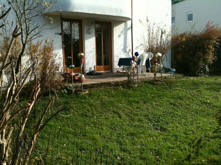 2 Zimmer Gartenwohnung im zentralen Parsch - Grüne Wohnoase