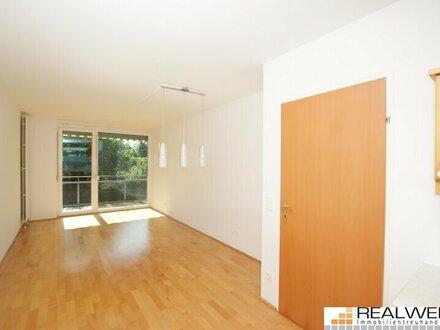Gut geschnitten und ausgestattet: 2 Zimmer mit Balkon