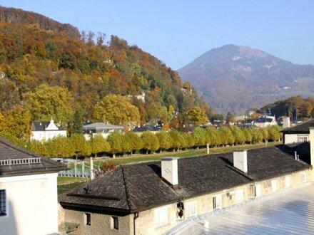 Erstbezug: Traumhafte 3-Zimmer-Altbau-Wohnung im historischen Stadtpalais