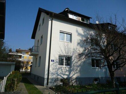 Nette 2-Zimmer-Wohnung in sehr ruhiger und zentraler Lage nähe der Glan/Salzach!