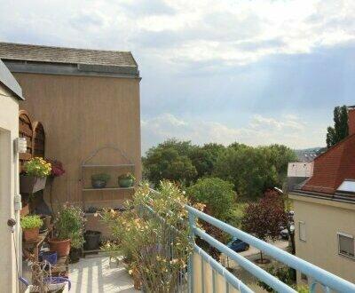 Schöne und gepflegte 3 Zimmer DG-Wohnung mit großer SW-Terrasse und Grünblick!