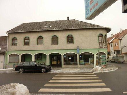 Wohn- und Geschäftshaus im Zentrum von Schrems