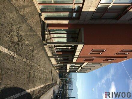 115 m² Gewerbefläche in begehrter Lage mit großer, repräsentativer Schaufensterfront