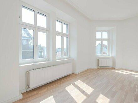 ++WG-geeignet** Sanierte 4-Zimmer + getrennte Küche Altbauwohnung, gleich am Brunnenmarkt!