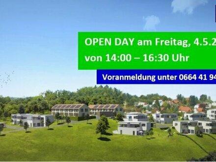 AUFGEPASST: HOCHWERTIGER MAISONETTEN-TRAUM mit großzügiger Terrasse + atemberaubenden FERNBLICK + Garten + Ruhelage in 8075…