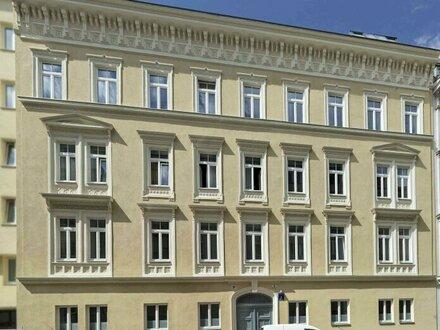 ERSTBEZUG! Altbau-Garconniere in schöner Liegenschaft nächst Naschmarkt und Schlossquadrat