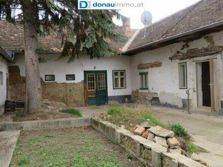 2054 Haugsdorf: Günstiges Landhaus mit großer Garage und Nebenflächen zum Sanieren