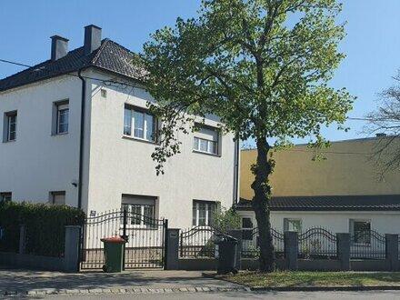 Einfamilienhaus mit 9 Zimmer + 307 m² Garten + Garage - WIEN-GRENZE nur 5 Minuten entfernt!