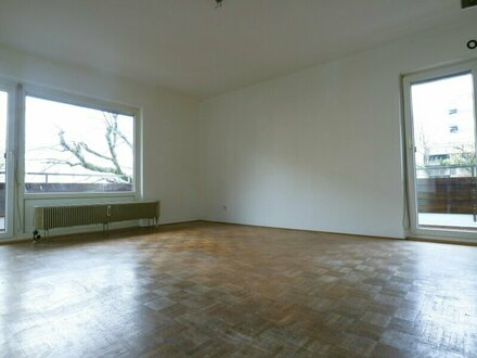 Gut aufgeteilte 3 Zimmer-Wohnung - Sanierungsbedarf