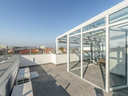 ++PROVISIONSRABATT++ Außergewöhnliche DG-Wohnung mit Dachterrasse, Wintergarten u. Sauna! ERSTBEZUG nach Sanierung!