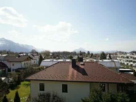 Individualisten aufgepasst: 5-Zimmer-Balkonwohnung mit Panoramablick im begehrten Aigen