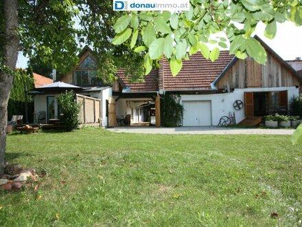 Großer Vierkanthof im Thermengebiet Bad Waltersdorf in absoluter Ruhelage