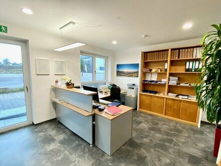 Traunstein: Modernes Büro im Erdgeschoss