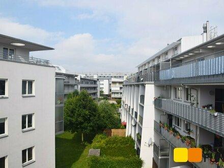 Großzügige, moderne 2-Zimmer-Wohnung mit Loggia