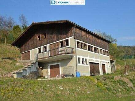 2840 Sauerbichl, Eingezäuntes Grundstück mit Rohbau