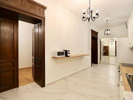 EUM – ERSTBEZUG in zentraler Lage! 6-Zimmer-Stil-Altbau im 1. Liftstock
