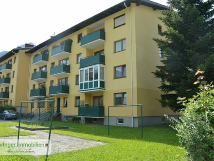 Volltreffer! Heimelige 3-Zimmer-Balkon-Wohnung mit Bergblick